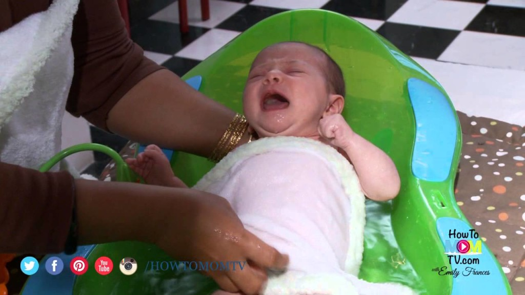 How to Give your Newborn a Bath- Demonstration by top NY Baby Care ...